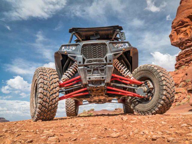 Refuerza tu vehículo RZR con el poder de LINE-X